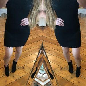 Dresses & Skirts - Black strapless ribbed mini dress